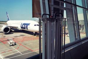 Technologie UVC przeciw COVID-19 dla branży lotniczej